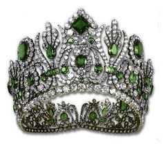 Empress Marie-Louise's Tiara, colorized to show the original emeralds