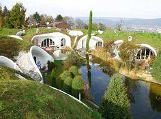 Google Afbeeldingen resultaat voor http://correctemundo.files.wordpress.com/2012/04/underground-eco-houses2.jpg