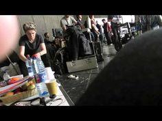 Stalking Niall...