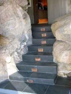 Elrod house used in 1971 James Bond film Diamonds are Forever John Lautner, James Bond, Bouldering, Palm Springs, Gates, Fence, Stairs, Diamonds, Detail