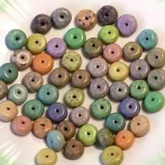 There must be a couple dozen different techniques here for faux stones with inclusions. Lots of great ideas, and no reason to stop at making simple beads. These recipes could be used to make anything with polymer clay.   Polymer Clay Tutorial - Faux Stone