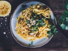 Kikherne limonello pasta - uusi somepastatähti on syttynyt! Pinterest Recipes, Tapas, A Food, Spaghetti, Favorite Recipes, Pasta, Ethnic Recipes, Drinks, Drinking