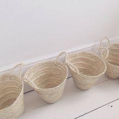 rope baskets natural fibers Rope Basket, Basket Bag, Basket Weaving, Sisal, New Home Wishes, Plastic Grocery Bags, Bamboo Crafts, Interior Concept, Baskets