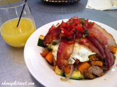 Urban PL8′s Paleo Breakfast Hash!  Love the food here  http://ohsnapletseat.com/2013/02/18/a-paleo-and-non-paleo-restaurant-urban-pl8/