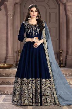 Robe Anarkali, Costumes Anarkali, Silk Anarkali Suits, Salwar Suits, Bridal Anarkali Suits, Indian Anarkali, Abaya Style, Designer Anarkali, Salwar Kameez