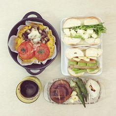 goooooooooood morning sunay :-O)) #morning #brunch #yummy #goodfood #instafood #onthetable  #homemade #foodie #foodstagram #foodphoto #cheese_tomato_mushroom_Omelette #pizza #applelunchmeatavocado_lettucepotatpsalad_bageisandwich #bagel #roast_orka_onion_mushroom  #朝食 #早午餐 #早餐