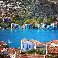 Kastellorizo Beautiful Islands, Beautiful World, Beautiful Places, Greece Tours, Greece Travel, Greek Islands Vacation, Places To Travel, Places To Visit, Greece Honeymoon