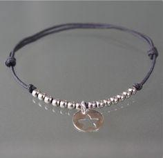 Bracelet cordon gris foncé perles en argent massif et breloque étoile