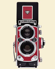 Very cool digital camera from Rolleiflex, awesome classic styling. The MiniDigi AF 5.0 is a three-inch high, fully functional digicam replica of the original classic twin reflex camera