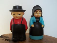 Vintage Amish Couple Salt and Pepper Shakers by JunkyardElves, $12.00