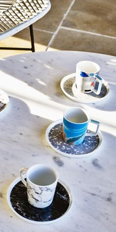 Turn your coffee get together into a style statement with the Carrara Set of Four Espresso Cups & Saucers.
