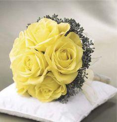 Ramos en tonos amarillos   Preparar tu boda es facilisimo.com