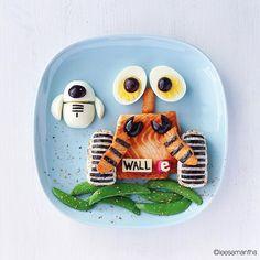 WALL-E food art your kids will love! Wall E, Disney Inspired Food, Disney Food, Bento Recipes, Baby Food Recipes, Bento Ideas, Dinners For Kids, Kids Meals, Comida Disney