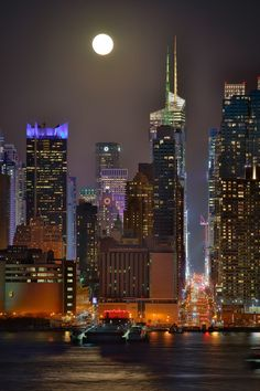 street by Gary Schlegel , NYC Beautiful World, Beautiful Places, Monuments, New York City Travel, 42nd Street, Manhattan New York, Amazing Buildings, I Love Ny, City That Never Sleeps