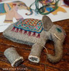 bed book peek: elephant and goldfish Fabric Animals, Felt Animals, Needle Felted Animals, Needle Felting, Felt Crafts, Fabric Crafts, Felt Embroidery, Felt Christmas Ornaments, Christmas Cross