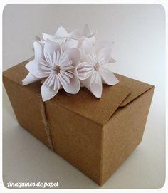 Packaging con detalle en blanco para #voguenovias