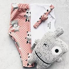 Baby Gift Box, Baby Gifts, Baby Kids Clothes, Diy Clothes, Baby Leggings, New Hobbies, Baby Sewing, Kids Fashion, Sewing Patterns