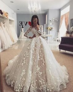 Wedding Dresses With Flowers, Long Wedding Dresses, Long Sleeve Wedding, Princess Wedding Dresses, Elegant Wedding Dress, Wedding Dress Styles, Wedding Dresses Detachable Skirt, Long Sleave Wedding Dress, Dress Long