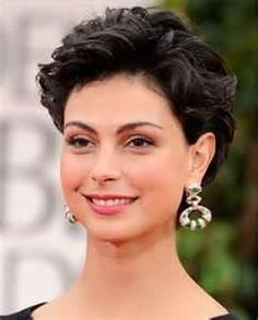 Short Hairstyles For Curly Hair Round Face - Bing Images