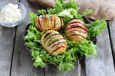 Chez 750g, nous adorons les pommes de terre à la suédoise. Cette recette se décline à l'infini. Elles sont parfaites pour accompagner vos viandes ou vos poissons grillés mais on aime aussi les servir en plat principal avec une salade.