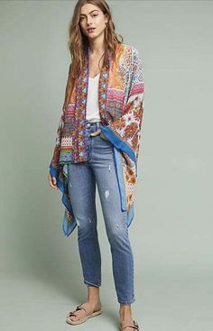 I love this one size fits all bohemian Anthropologie Matilda Floral Kimono. This colorful kimono has a totally boho summer queen vibe. Perfect for layering. Available in 4 different colors Look Kimono, Kimono Outfit, Kimono Cardigan, Skirt Fashion, Boho Fashion, Womens Fashion, Fashion Trends, Fashion 2018, High Fashion