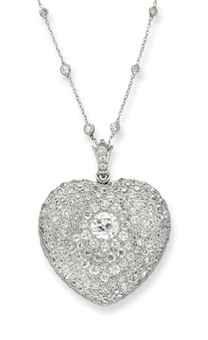 1910 Belle Époque Diamond heart pendant
