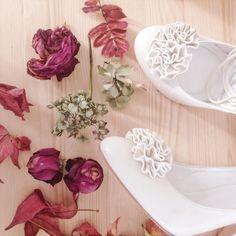 Floral gorgeousness from Sweet Pea.     #merleandmorris #bridalshoes #madeinUK #bridalstyle #shoeaddiction #luxuryshoes #christmas #bridalblogger #bohobride #weddinggoals #shoegoals #iftheshoefits #luxurybride #alternativestyle #shoesday #blackfriday #blushshoes #shoesofinstagram #instawomen #brideinspiration #londonwedding #loveauthentic #shoeaddict #rocknroll #rocknrollbride #vintagewedding