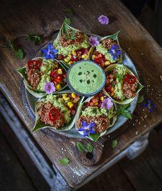 Raw Vegan, Plant Decor, Summer Recipes, Tacos, Veggies, Gardens, Meals, Plants, Instagram