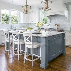 """347 Likes, 8 Comments - Leilani (@leilaniryder) on Instagram: """"A little Kitchen inspiration tonight from talented designer #christinesheldondesign. Love the…"""""""