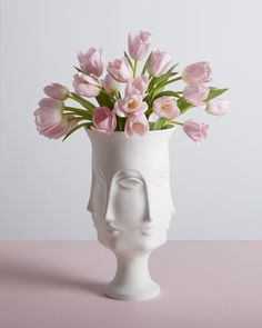The Jonathan Adler Dora Maar Urn is a porcelain homage to the French photographer, poet, and painter best known for being a lover and muse of Pablo Picasso. This vase makes for a fabulous wedding gift(Best Gifts For Photographers) Dora Maar, Jonathan Adler, Flower Vases, Flower Arrangements, Decoracion Vintage Chic, Tulip Bouquet, Urn Vase, Gift Bows, Orchid Care