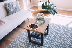 Entryway: entry table for small spaces fresh how to declutter your home room by room House Cleaning Tips, Diy Cleaning Products, Cleaning Hacks, Diy Hacks, Spring Cleaning, Table For Small Space, Small Spaces, Feng Shui, Ikea