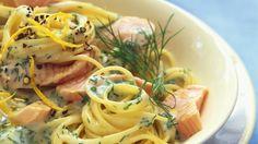 Pasta und Lachs gehen immer: Spaghetti mit Lachs-Dill-Soße | http://eatsmarter.de/rezepte/spaghetti-mit-lachs-dill-sosse