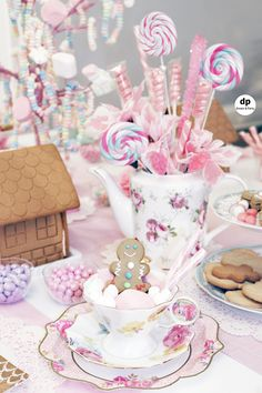 Party in pink. Indoor picnic setup for a gingerbread house tea party. Tea party ideas for gingerbread. Indoor Birthday, Picnic Birthday, Adult Birthday Party, Sleepover Party, Party Party, Party Ideas, Girl Birthday, Birthday Ideas, Christmas Tea Party