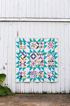 In Color Order: Patchwork Essentials: Blockade Quilt Quilting Tutorials, Quilting Projects, Quilting Designs, Half Square Triangle Quilts, Medallion Quilt, Traditional Quilts, Modern Traditional, Colorful Quilts, Sampler Quilts