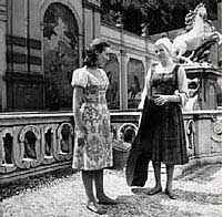 Charmian Carr with Julie Andrews white shooting the Salzburg