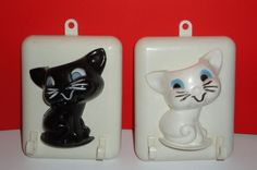 1950's  Set of 2 Sheila Cat Plaque Hange. For cups or pot holders. Made in Indiana