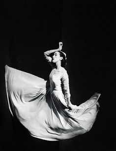 Brunner Sanina - Dancer - choreographer - Martha Graham by Barbara Morgan. Martha Graham, Matt Hardy, Barbara Morgan, Dance Dreams, Nureyev, Dance Movement, American Modern, Modern Dance, Contemporary Dance