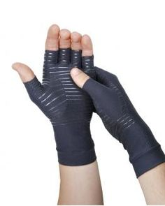 I haz great need for these, no bulky brace when I need it Hell Yeah!   Half Finger Compression Gloves | Tommie Copper