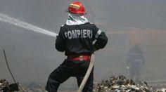 Explozie in centrul orasului Pitesti, 3 cladiri distruse Motorcycle Jacket, Roman, Jackets, Fashion, Firefighter, Down Jackets, Moda, Fashion Styles, Fashion Illustrations