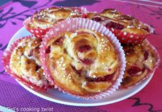 Swedish cardamom and raspberry buns by Del's cooking twist