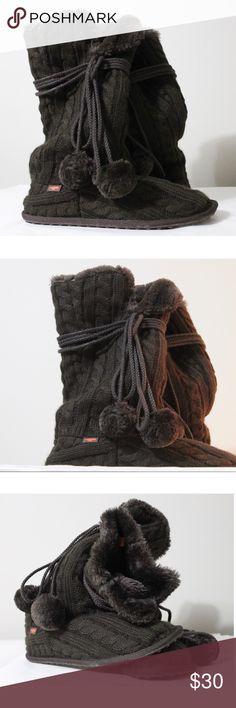 "New Women's Rocket Dog Brown Knit Tassel Boots New Without Tags  Rocket Dog Brown Cable Knit Boots With Tassels  Mid Calf  Size 10 Faux Fur Inside Heel Height approx - 1/2"" Rocket Dog Shoes Winter & Rain Boots"