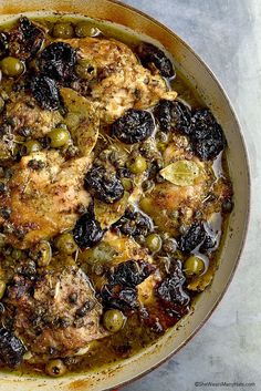 Salty and sweet ingredients combine in the fabulously famous Chicken Marbella to create an oh so satisfying dish that is quite perfect for any dinner party. Turkey Recipes, Chicken Recipes, Chicken And Figs Recipe, Dinner Recipes, Cookbook Recipes, Cooking Recipes, Ina Garten Chicken, Silver Palate Cookbook, Chicken Marbella