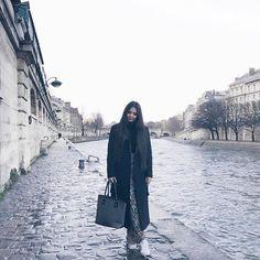 Walking around Paris!    paris parisjetaime parisienne fashionhellip
