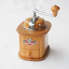 Beautiful and extremely RARE Vintage KYM # 9490 manual coffee grinder made in WESTERN GERMANY.  • medium sized mill made of robust beech wood (unique Art