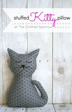 Sewing Stuffed Animals FREE Stuffed Kitty Pillow Pattern and Tutorial - This Stuffed Kitty Pillow is an easy project to make as a gift for someone you love, perfect for cuddling. Sewing Toys, Sewing Crafts, Sewing Projects, No Sew Crafts, Easy Projects, Sewing Ideas, Sewing Stuffed Animals, Stuffed Animal Patterns, Homemade Stuffed Animals
