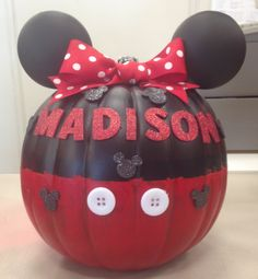 Minnie Mouse pumpkin has madison's name on it! Minnie Mouse Pumpkin, Minnie Mouse Halloween, Disney Pumpkin, Minnie Mouse Costume, Disney Halloween, Holidays Halloween, Halloween Kids, Halloween Pumpkins, Halloween Crafts