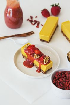 Easy Orange, Goji & Strawberry Vegan Cheesecake Recipe