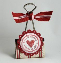 Binder Clip by Stamp Addict 77 - Cards and Paper Crafts at Splitcoaststampers Source by brookberrygirl pin crafts Binder Clips, Binder Decoration, Valentine Crafts, Valentines, Paperclip Crafts, Paper Binder, Crafts To Make, Diy Crafts, Candy Cards