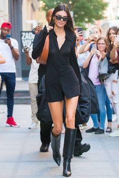 Kendall jenner style 698269117210728826 - Kendall Jenner and EmRata Just Wore This Boot Trend in NYC Kardashian Kollection, Khloe Kardashian, Nyc Fashion, Girl Fashion, Fashion Outfits, Style Fashion, Looks Chic, Looks Style, Mode Outfits