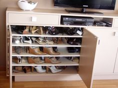 1000 images about mueble para tv y guardado de zapatos on for Muebles para colocar zapatos